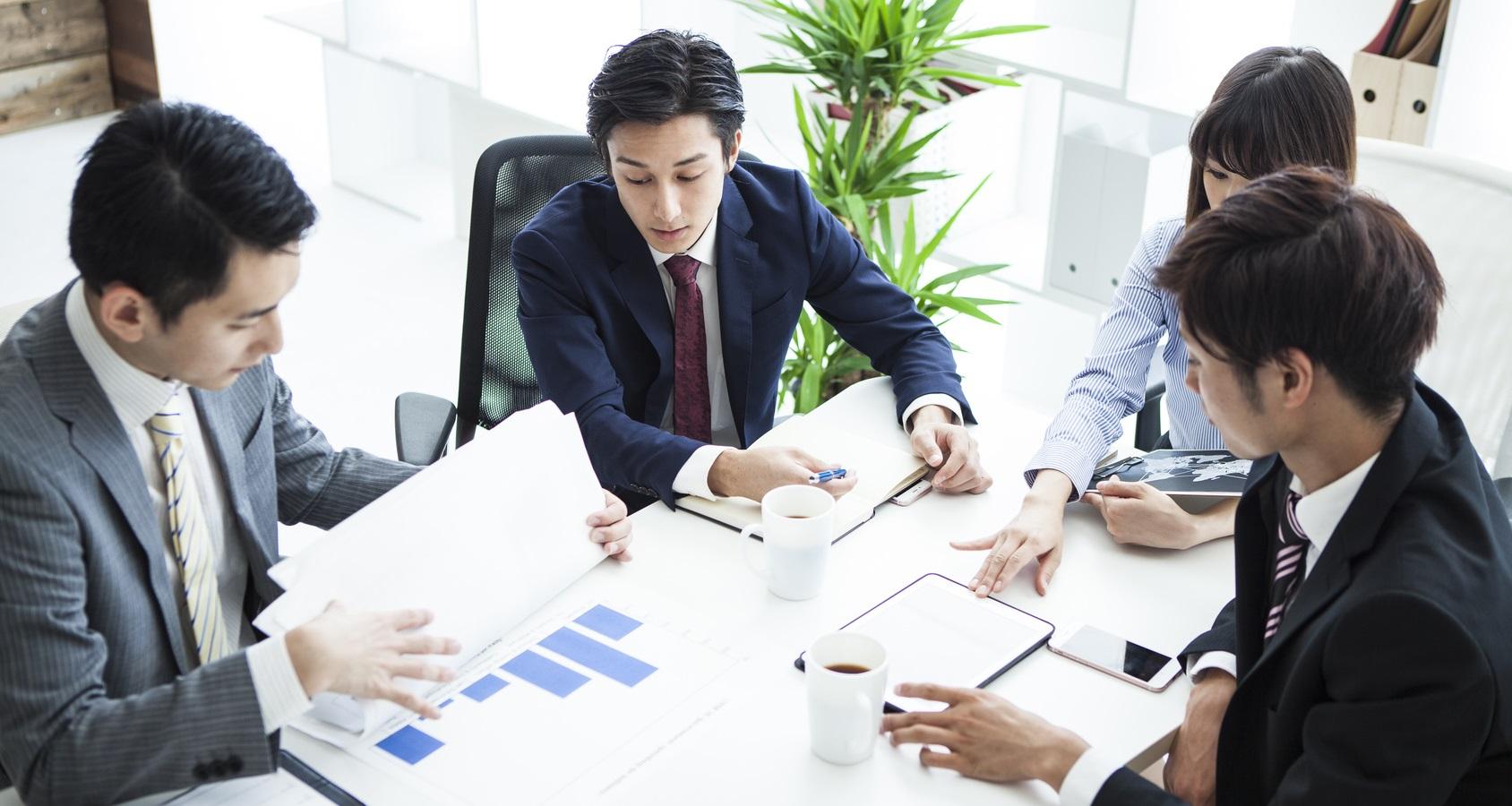 ③ビジネス情報や過去の運用実績についてデータの共有を求めてくる